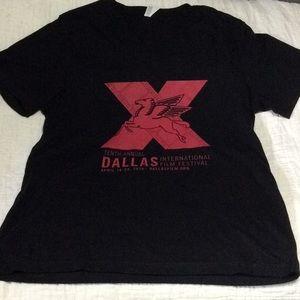 Dallas t shirt size large v neck